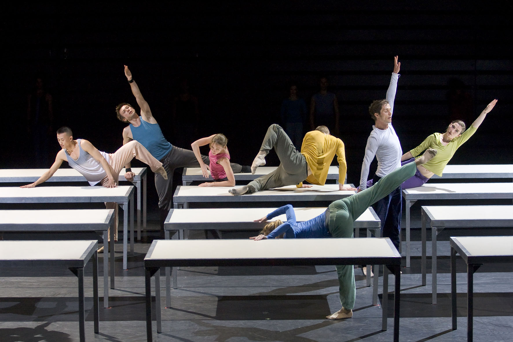 "Spectacle: ""ONE FLAT THING, REPRODUCED"", ChorŽgraphie, scŽnographie, costumes et lumires: William Forsythe, Compagnie: Ballet de l'OpŽra de Lyon, Musique: Thom Willems, Lieu: ThŽ‰tre de la Ville, Paris, le 7/04/2009"